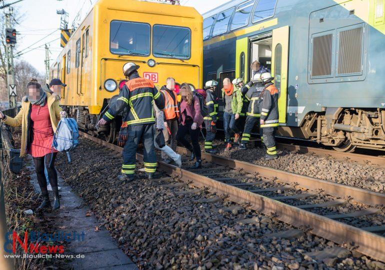 Regionalbahn bleibt auf Lombardsbrücke liegen - Oberleitung gerissen / Zug wurde evakuiert: 70 Personen gerettet!