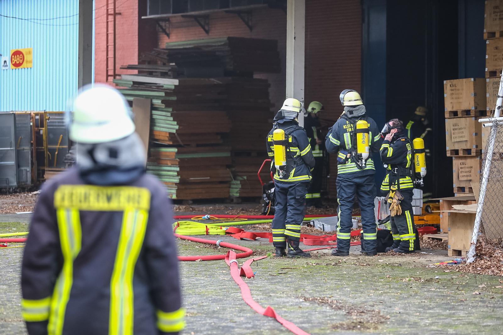 Großfeuer verhindert! – Schnelles eingreifen der Feuerwehr verhindert schlimmeres