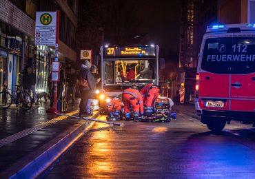 Linienbus erfasst vermeintlichen betrunken Mann und fährt weiter! - schwer verletzt!