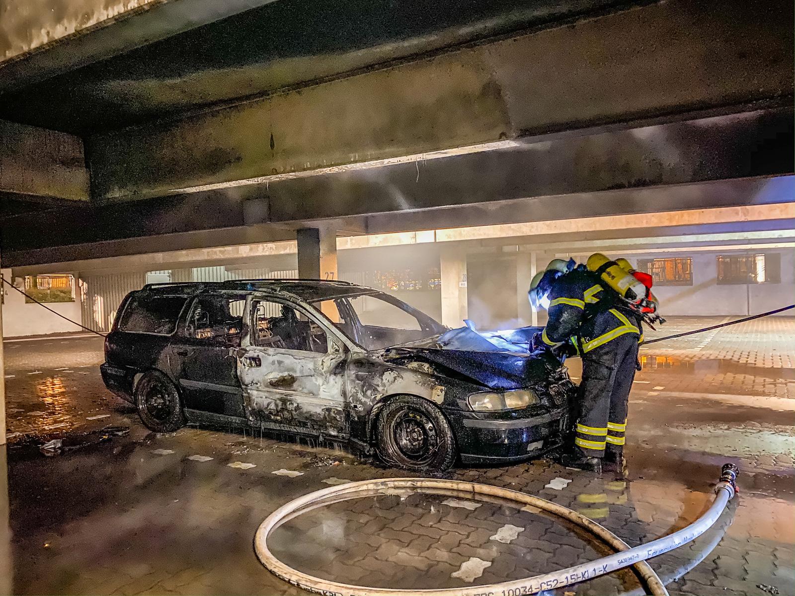 PKW brennt in Tiefgarage – Brandursache unklar!
