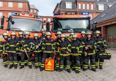 Löschfahrzeuge nur mit Frauen besetzt: Feuerwehr Hamburg macht auf Weltfrauentag aufmerksam.