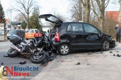 Schwerer Motorradunfall auf der Langenhorner Chaussee - 2 schwer verletzte Personen