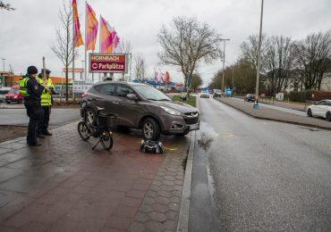 Auto erfasst 80-jährigen Fahrradfahrer - schwer verletzt