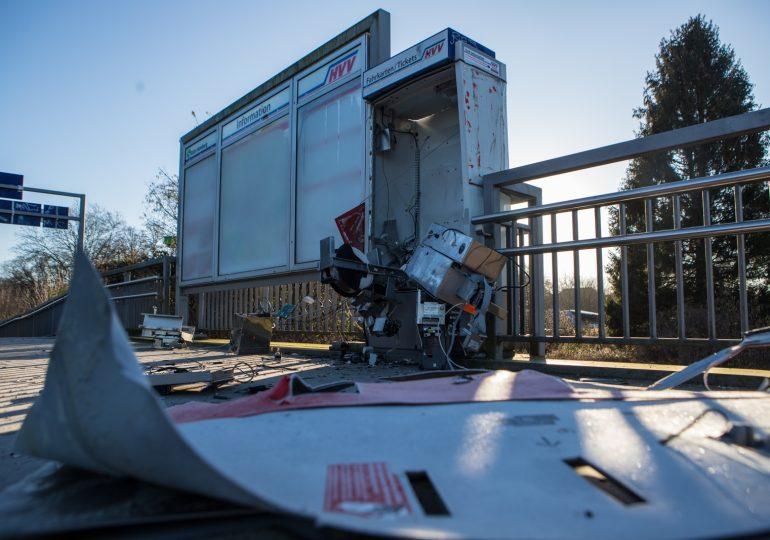 Fahrkartenautomat gesprengt - Polizei ermittelt