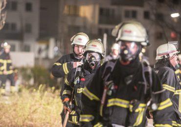 Brandstiftung? - Plötzlich brannte Unrat im Keller! - Mehrere Bewohner in ihren Wohnungen eingeschlossen!