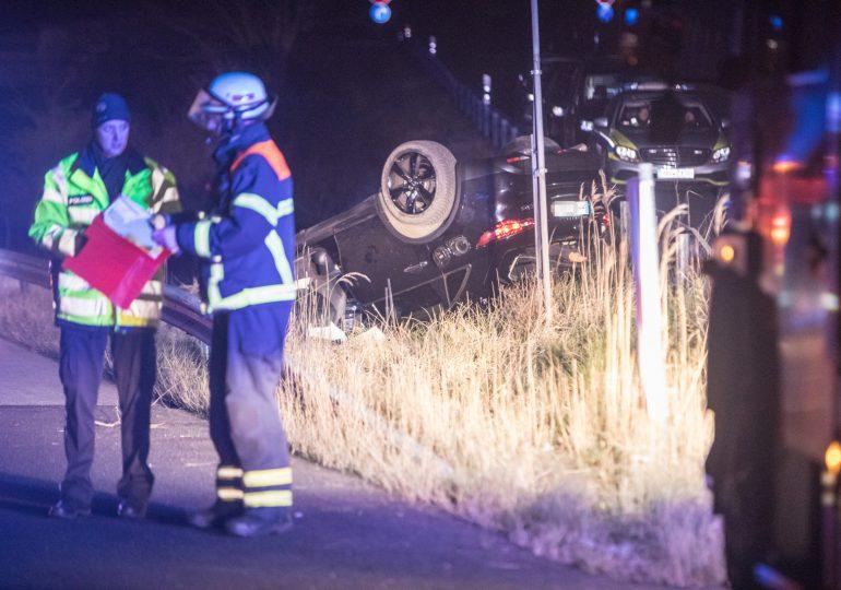 Fahrer nach Unfall auf A25 flüchtig! - Polizei mit Suchhunden im Einsatz