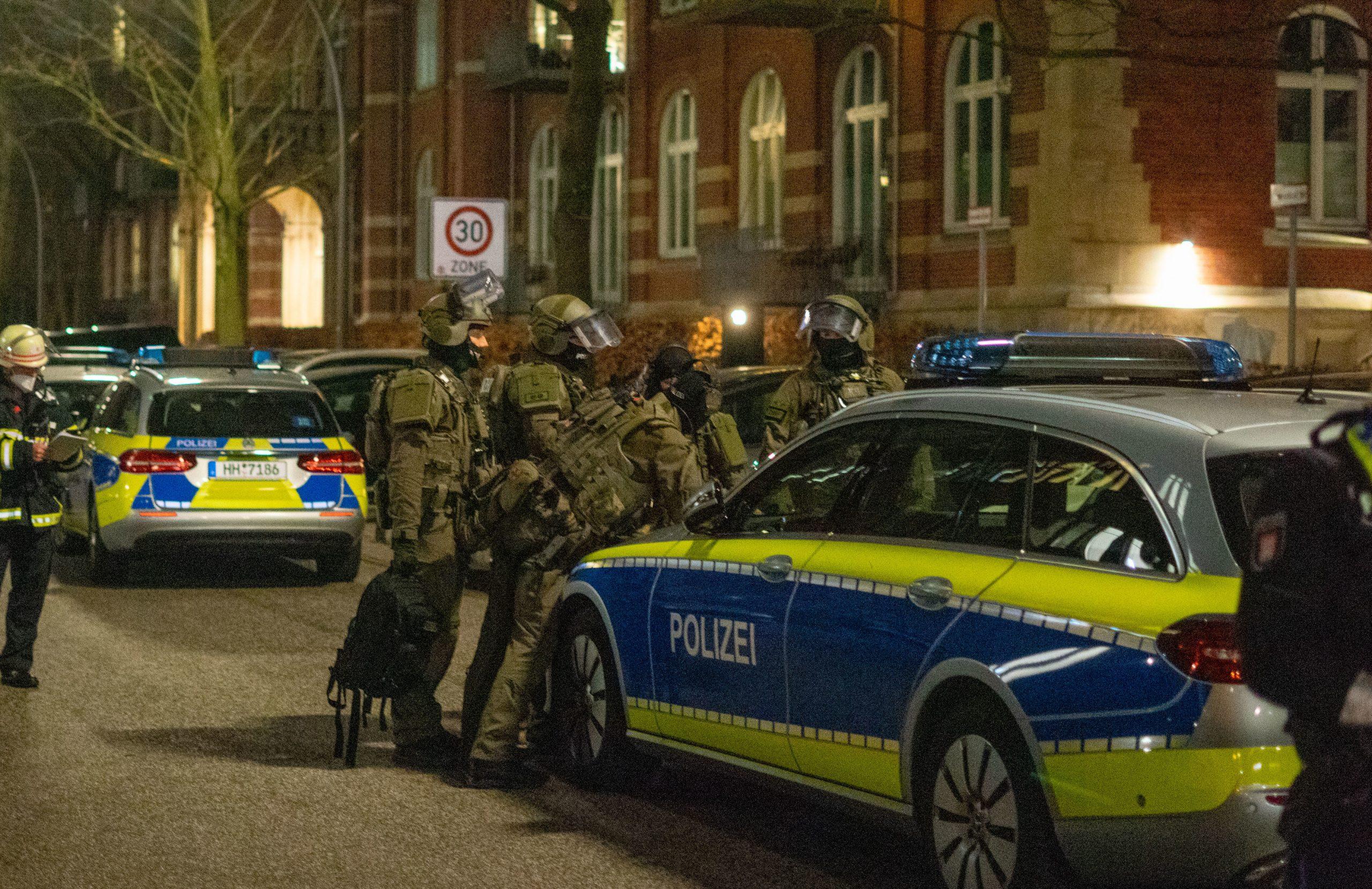 Familienstreit-eskaliert-SEK-nimmt-bewaffneten-Mann-fest