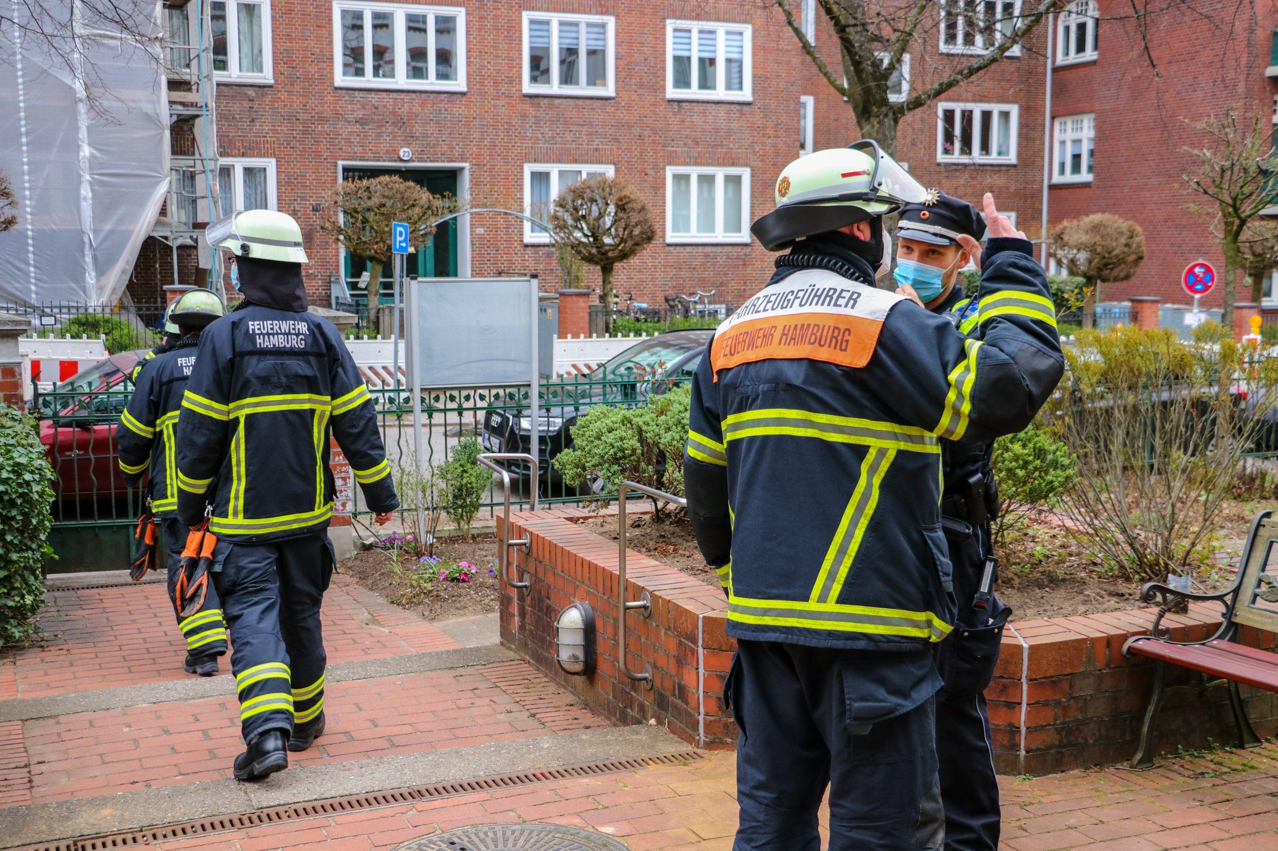 Mittagessen-angebrannt-Feuerwehr-r-ckt-mit-gro-em-Aufgebot-an-